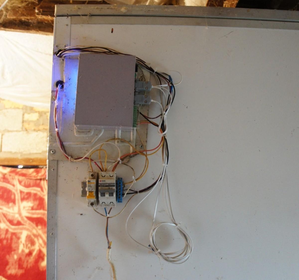 Блок ИНВА на инкубаторе ИНКА