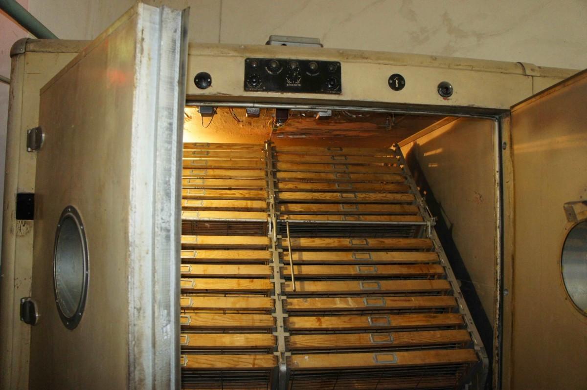 инкубатор Универсал-45 под управлением своего терморегулятора